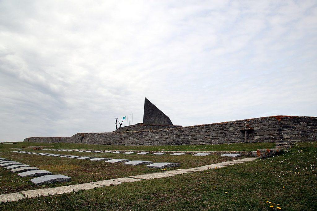 Passo della futa monumento Cimitero Germanico