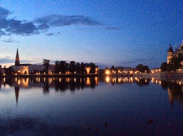 Marianna Brogi autrice di due torri e infinite stelle ama i grandi fiumi e questa foto lo dimostra