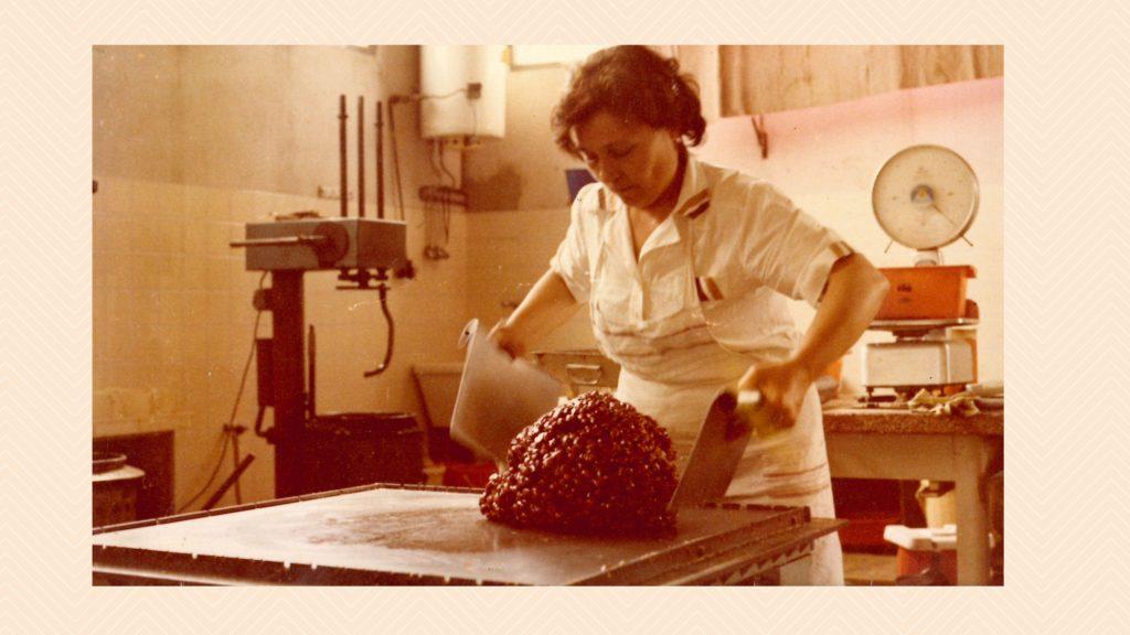 Arte dolciaria romagnola: foto della Signora Maria, fondatrice di Loris Dolciumi