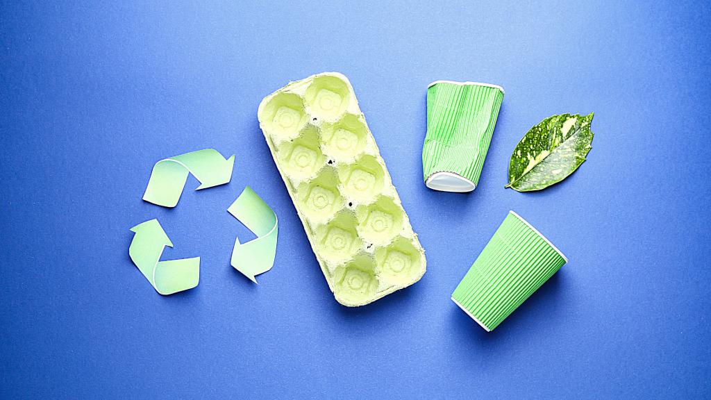 Questa immagine promuove il riciclo della plastica, peroprio per evitare che continuiamo a fare convergere plastiche nei fiumi