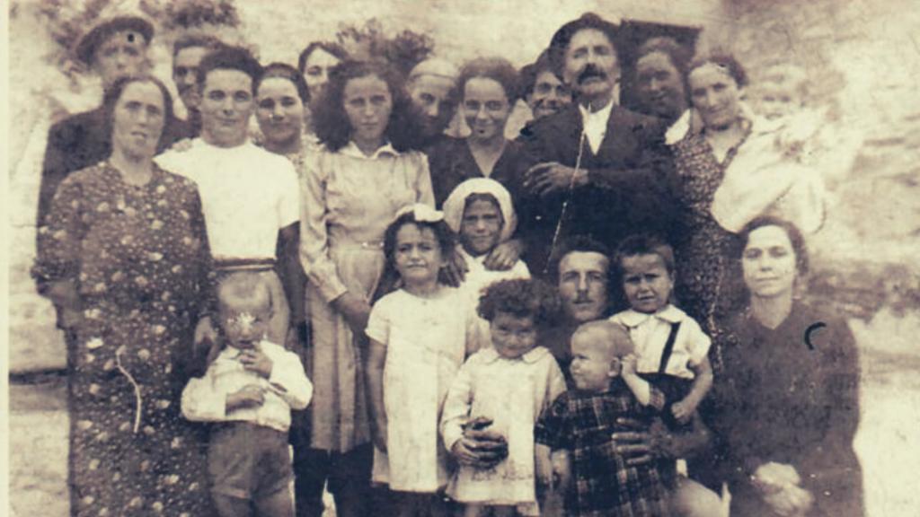 Una tipica famiglia polinucleare, al capo della quale si poneva l'azdora romagnola
