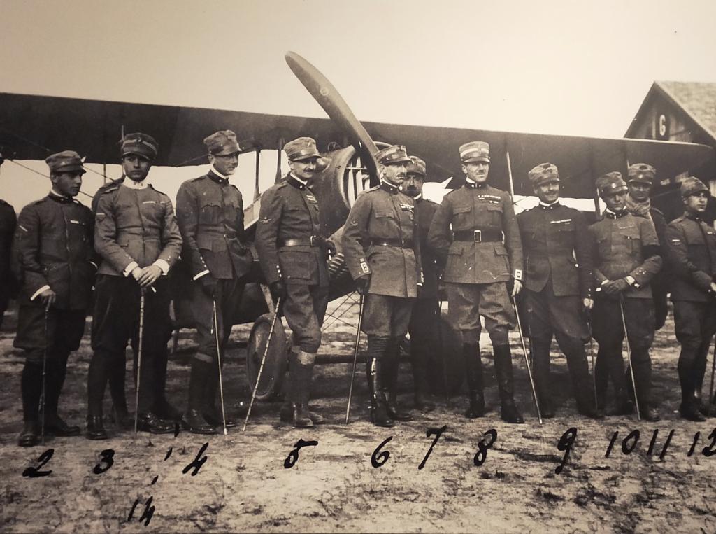 Squadriglia degli Assi, 91a squadriglia, foto d'epoca conservata ed esposta presso il museo di Francesco Baracca di Lugo di Romagna