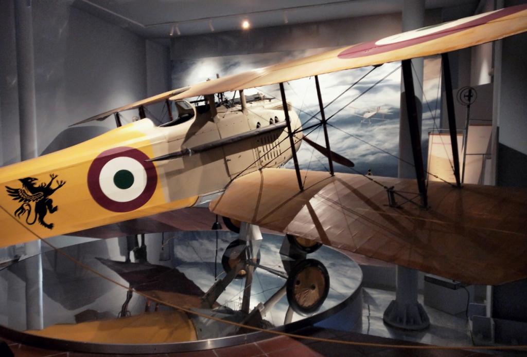 Biplano Nieuport 17 della Macchi esposto nella sede del Museo Francesco Baracca di Lugo