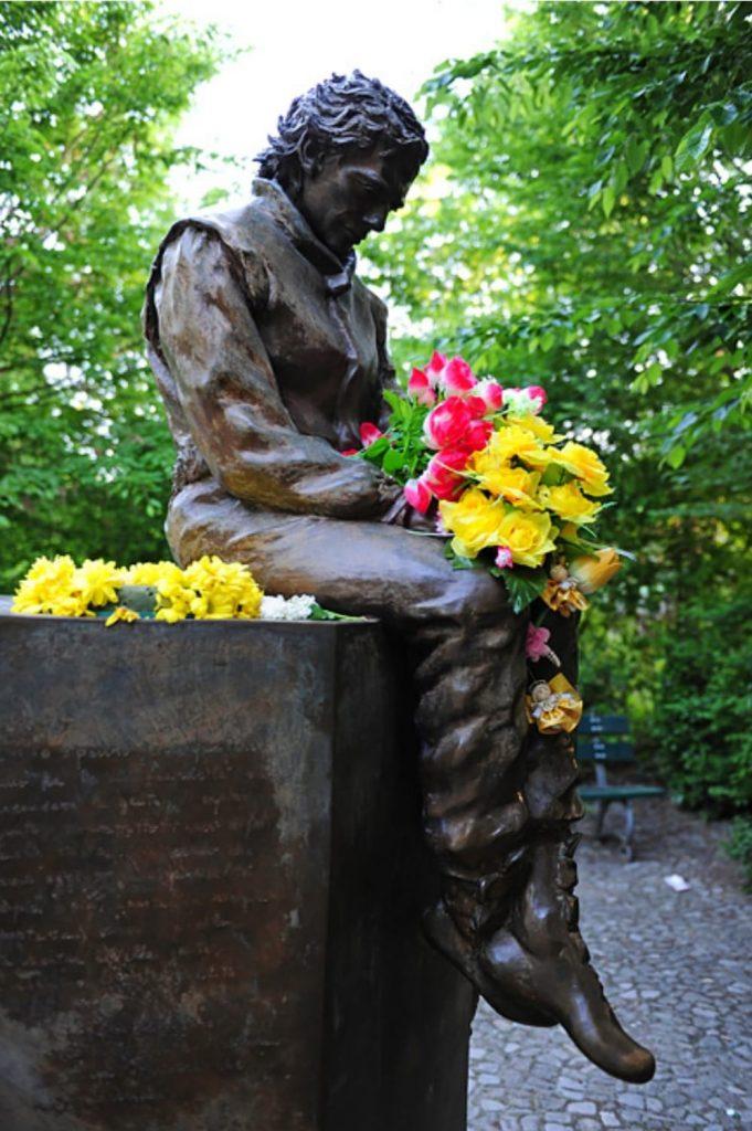 Statua di Senna al Parco delle Acque Minerali di Imola
