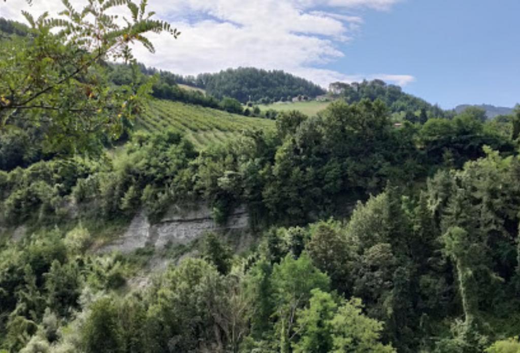 Gli itinerari in moto in Emilia Romagna ci portano ai calanchi della vena del gesso