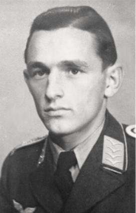 foto di Hans Joachim Fisher, primo pilota recuperato e la cui storia è narrata nel museo dell'aviazione dei Romagna Air Finders