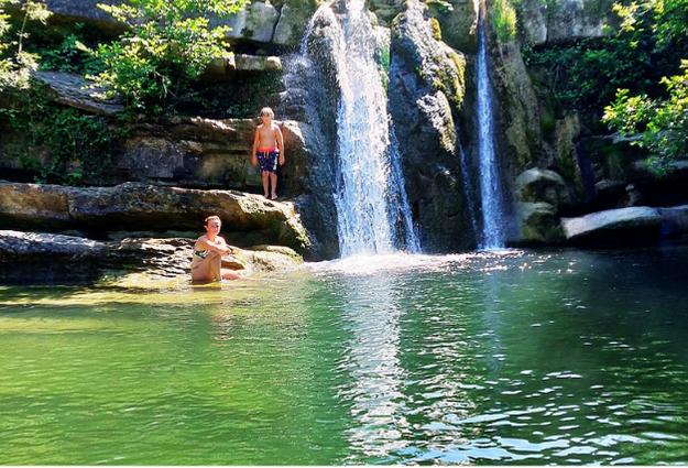 Cascata della Presia a Palazzuolo sul senio dove trascorrere vacanze culturali tra Romagna e Toscana