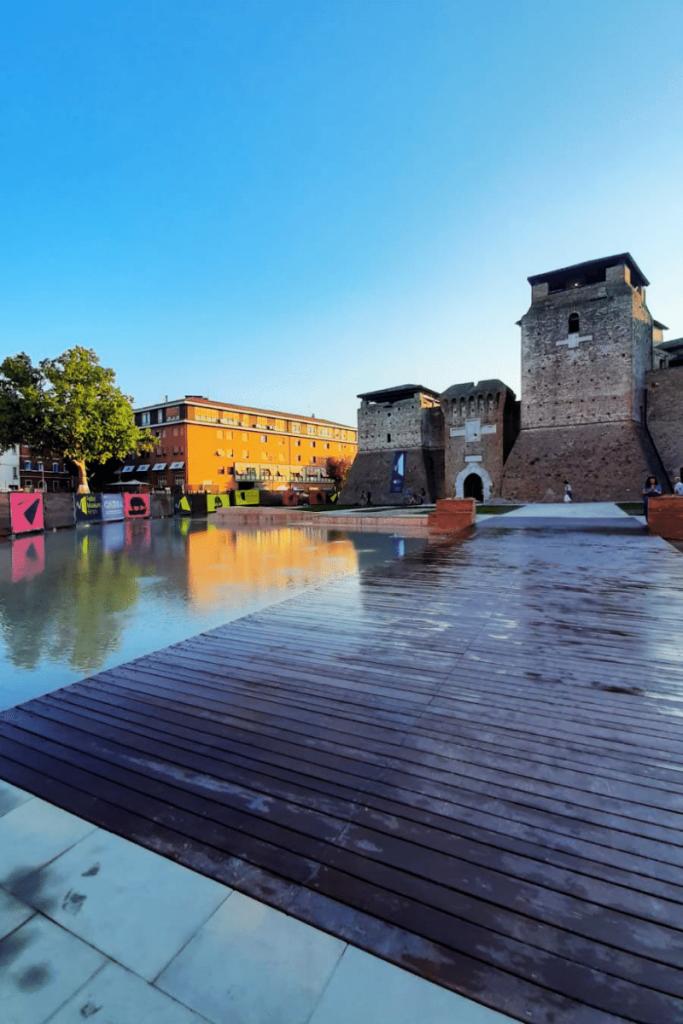 Rimini è una tra le prime città italiane più ricercate su Google nell' estate 2021 in foto la nuova fontana di Piazza Malatesta